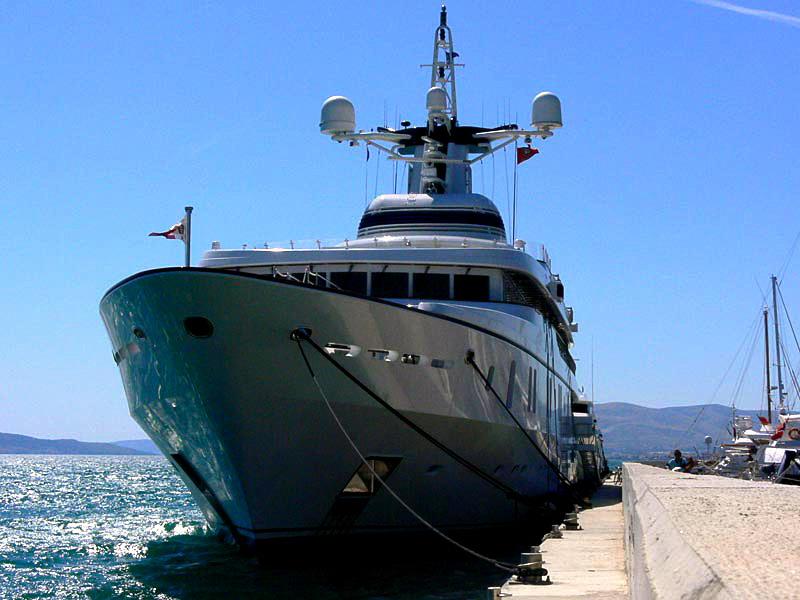 http://www.marina-kastela.hr/wp-content/uploads/2014/07/marina-kastela-mega-yachts-24.jpg
