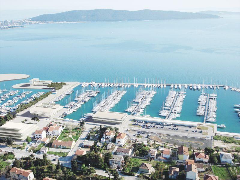 http://www.marina-kastela.hr/wp-content/uploads/2014/08/Kastela-Luftbildmontage.jpg