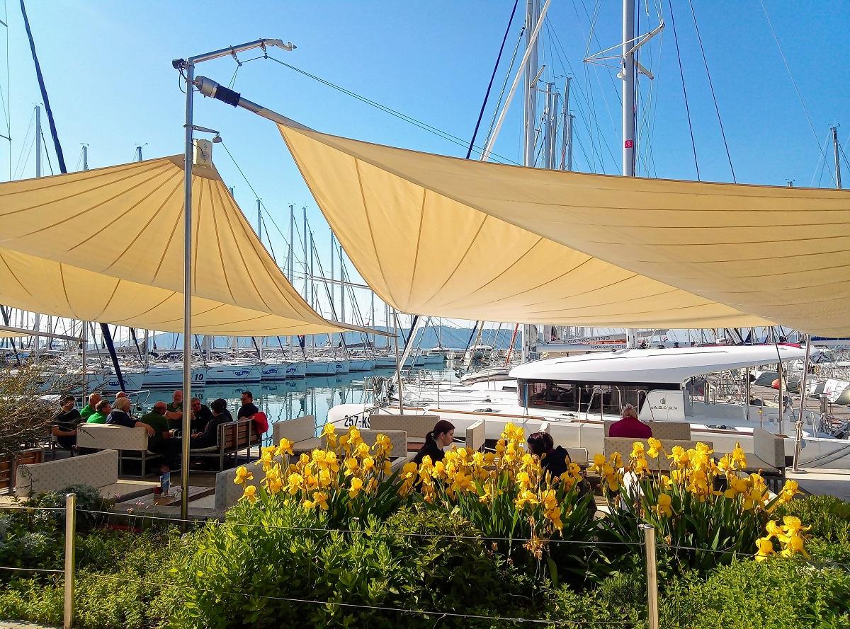 https://www.marina-kastela.hr/wp-content/uploads/2019/05/BAVADRIA-CAFFE.jpg